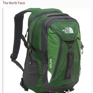 THE NORTH FACE SURGE BACKPACK GREEN